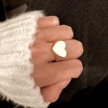Signet Ring Heart