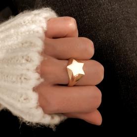 Signet Ring Star